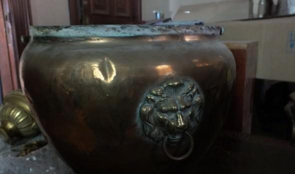 Municipio de Viña del Mar llamó a licitación para restaurar objetos de arte de metal del Palacio Rioja