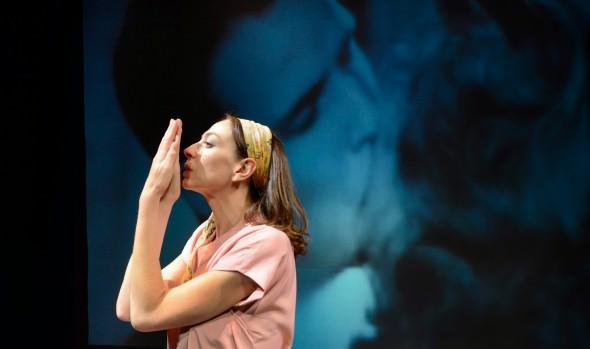 """Municipalidad de Viña del Mar invita a obra teatral """"La contadora de películas"""""""