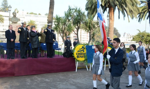 5 mil escolares viñamarinos rindieron homenaje a las Glorias Navales en desfile encabezado por alcaldesa Virginia Reginato