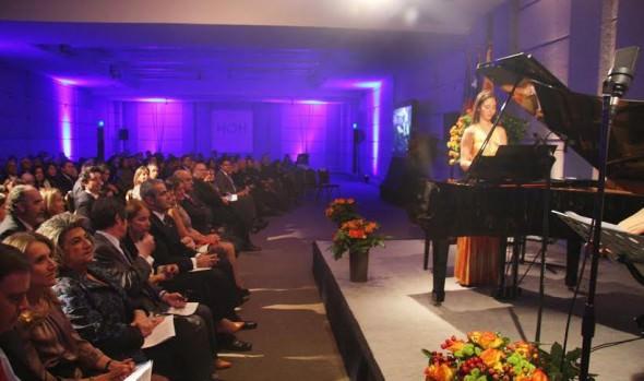 Gala musical del 21 de mayo estará dedicada al Festival de Viña del Mar, infomó alcaldesa Virginia Reginato