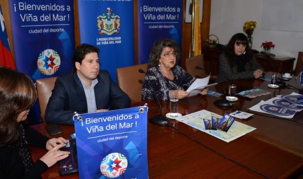 Material de apoyo promocional a Copa América entregó la alcaldesa Virginia Reginato a empresarios turísticos