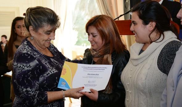 Encabezado por alcaldesa Virginia Reginato, se lanzó  Programa  Mujer Trabajadora y Jefas de Hogar 2015
