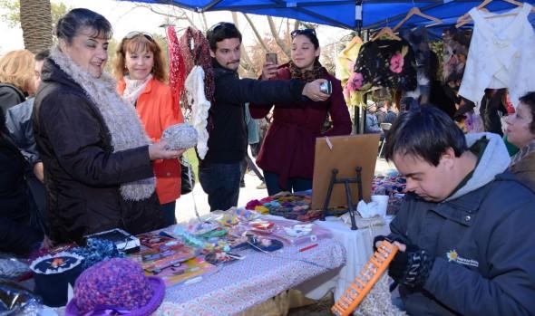 Diversas organizaciones participaron en la 1ª feria inclusiva organizada por la Municipalidad de Viña del Mar