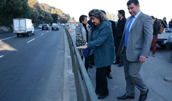 Con barandas de protección, Municipio de Viña del Mar  refuerza seguridad peatonal en borde costero