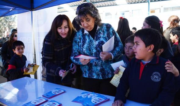 Municipio de Viña del Mar sensibiliza a la comunidad contra el trabajo infantil con feria informativa
