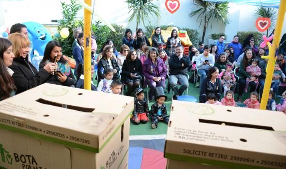 Niños de jardines infantiles municipales  de Viña del Mar se comprometieron con el reciclaje de papel