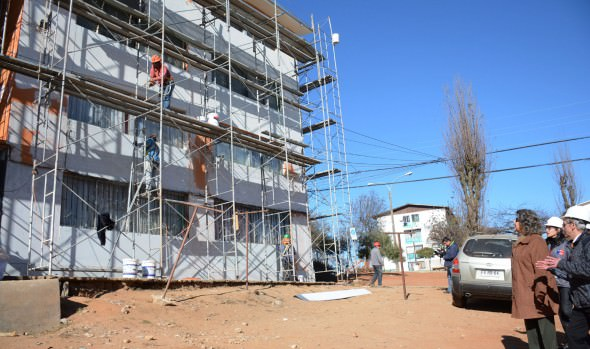 Obras de mejoramiento de 144 viviendas fueron visitadas por  alcaldesa Virginia Reginato