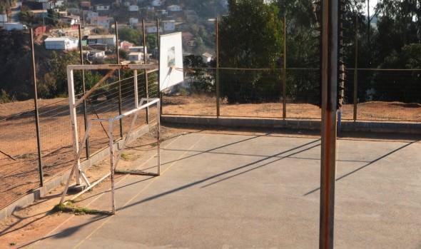 Municipio de Viña de Viña del Mar mejorará multicancha René Schneider de Chorrillos