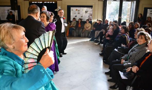 Adultos mayores de Viña del Mar se lucieron en gala folclórica encabezada por alcaldesa Virginia Reginato