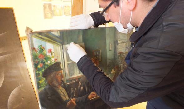 Municipio de Viña del Mar trabaja en restauración de 40 pinturas del Palacio Vergara