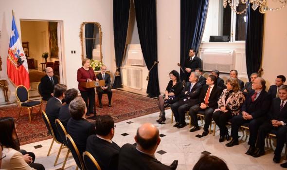 Presidenta Michelle Bachelet promulgó nueva Ley de casinos y alcaldesa Virginia Reginato manifestó su satisfacción