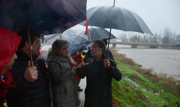 Viña del Mar resiste sin mayores emergencias el sistema frontal y alcaldesa Virginia Reginato llamó a la tranquilidad por caudal el estero
