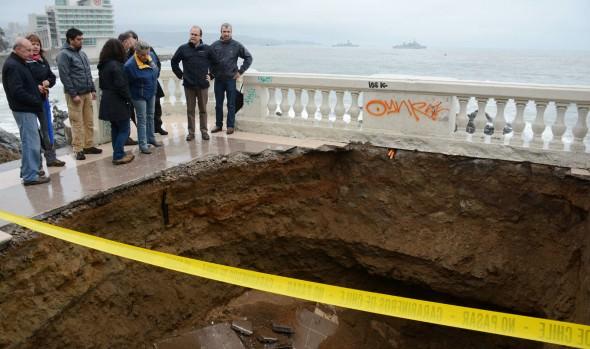 Municipio de Viña del Mar evalúa daños en el borde costero