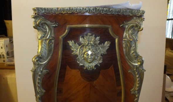 Municipio de Viña del Mar adjudica restauración de objetos de arte de materialidad mixta del Palacio Rioja