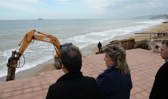 Inicio de trabajos de recuperación del borde costero fueron supervisadas  por alcaldesa Virginia Reginato