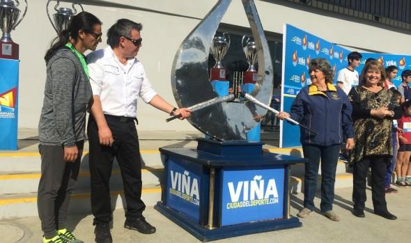 Llama olímpica de la XI olimpiada escolar fue encendida por alcaldesa Virginia Reginato