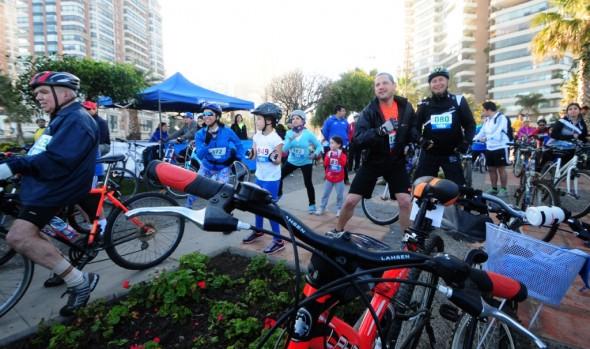 Con gran convocatoria se desarrolló 3° fecha de cicletadas familiares 2015, organizadas por el municipio de  Viña del Mar