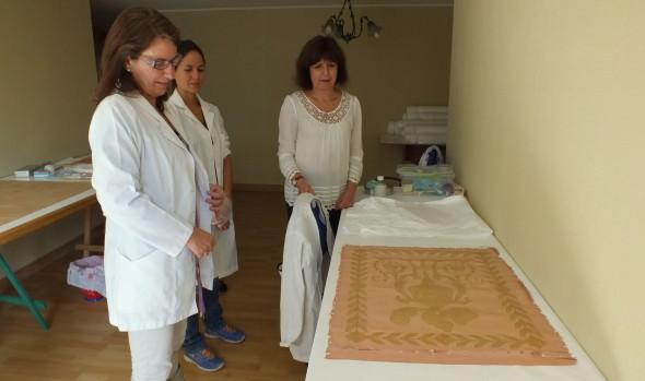 Un 40% de avance presenta la restauración de cortinajes y textiles del Palacio Rioja liderado por Municipio de Viña del Mar