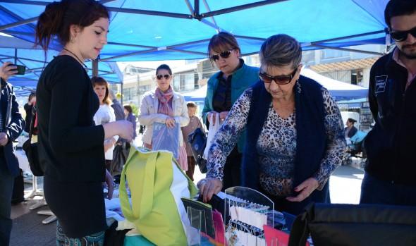 """Organizaciones y emprendedores locales  participaron en la """"expo iniciativas juveniles""""  de la Municipalidad de Viña del Mar"""