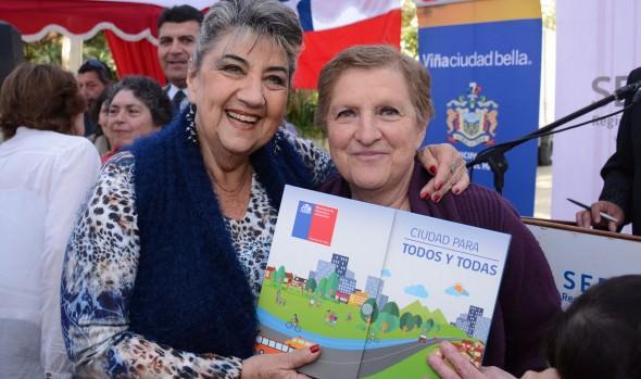 309 familias viñamarinas recibieron subsidios habitacionales de parte de alcaldesa Virginia Reginato y Serviu