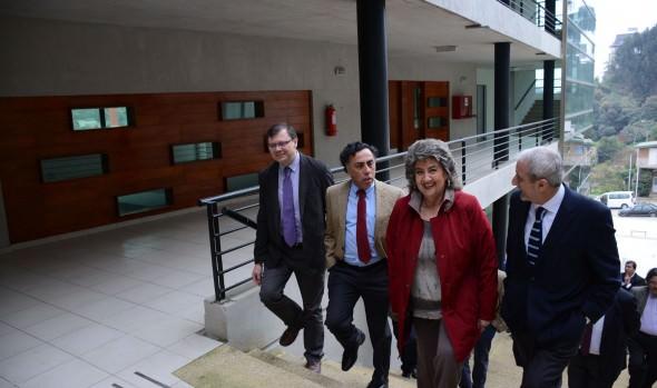 Nuevo Campus de la Salud de Universidad de Valparaíso fue visitada por alcaldesa Virginia Reginato