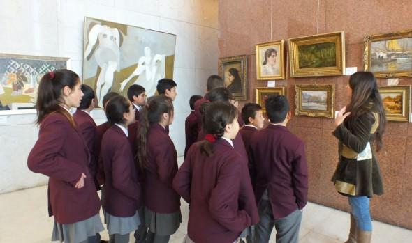 Estudiantes de Escuela de Viña del Mar asisten a taller de arte y patrimonio en el Congreso