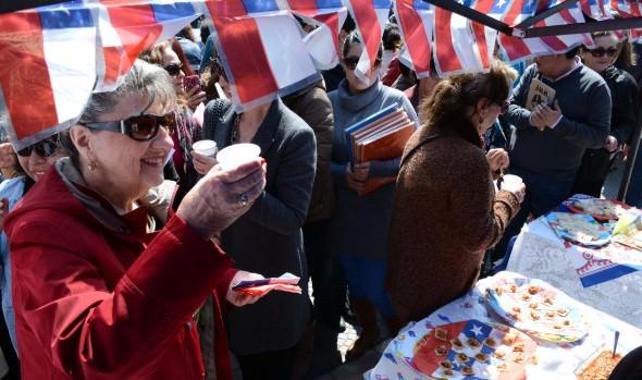 Variedad de preparaciones caseras ofreció muestra gastronómica  organizada por el municipio de Viña del Mar