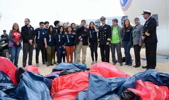 Con operativo en Viña del Mar se conmemoró el día Internacional de Limpieza de Playas