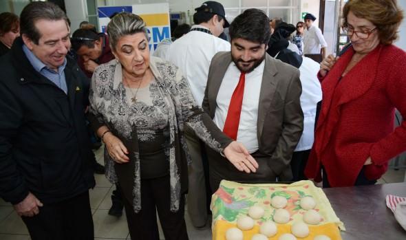 Viñamarinos se capacitan gracias a programa de formación laboral, curso que fue visitado por alcaldesa Virginia Reginato