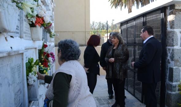 Preparativos para recibir a deudos en cementerio Santa Inés fueron fiscalizados  por alcaldesa Virginia Reginato