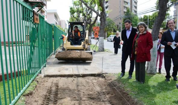 Millonaria inversión en reparación de aceras destina Municipio de Viña del Mar
