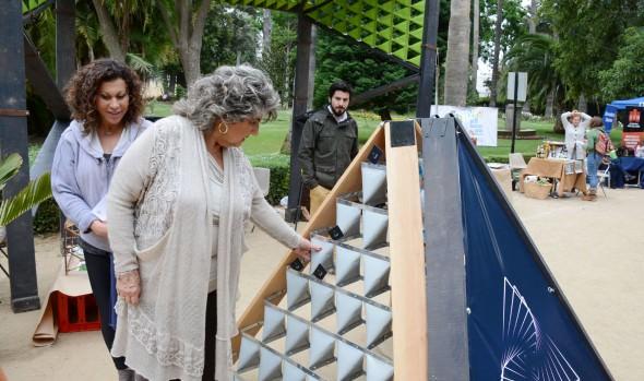 """Con gran interés y asistencia de público, alcaldesa Virginia Reginato inauguró  1ª feria """"Viña sustentable"""""""