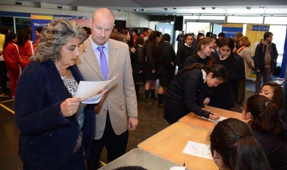 """Escolares de Viña del Mar participan en la 6ª consulta nacional """"Mi opinión cuenta"""""""