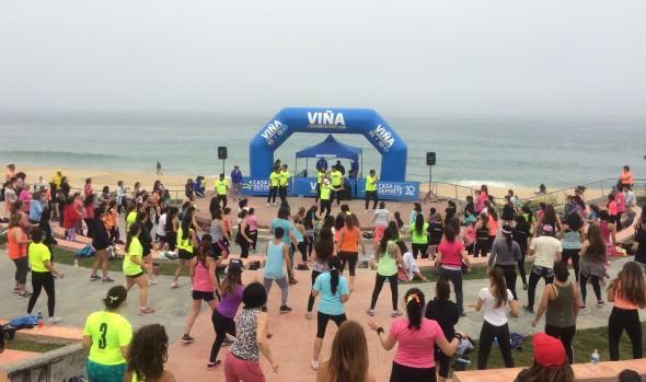 Viñamarinos bailaron nuevamente en las clases de zumba junto al mar