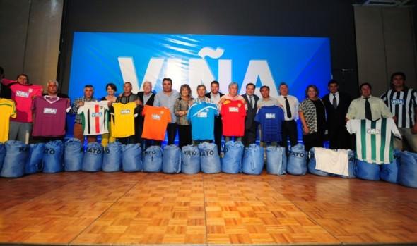 Asociaciones y clubes de fútbol de Viña del Mar  comenzaron a recibir nueva indumentaria deportiva