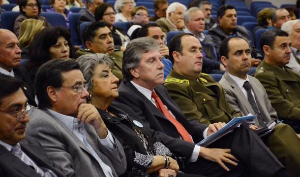 Con énfasis en el trabajo entre autoridades y la comunidad se realizó 3ª jornada de seguridad ciudadana organizado por  municipio de Viña del Mar  y COVES