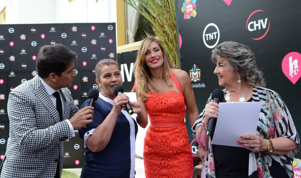 A humoristas y canciones de competencias del Festival de Viña 2016 presentó la alcaldesa Virginia Reginato