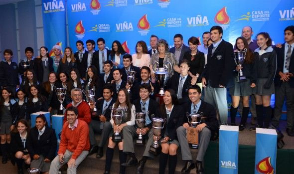 Ganadores de XI Olimpiada Escolar de Viña del Mar fueron premiados por alcaldesa Virginia Reginato