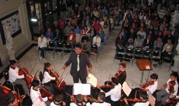 A concierto de Orquesta de Cámara Viña del Mar invita alcaldesa Virginia Reginato