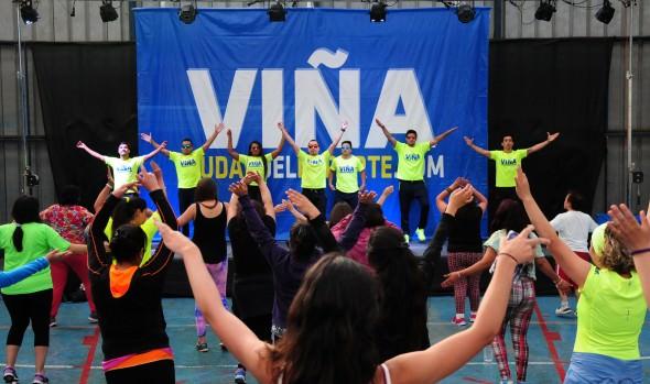 Con  verdadera fiesta fitness culminó en Viña del Mar  Zumba Tour 2015