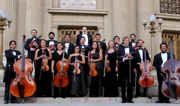 Orquesta Marga Marga realiza concierto de clausura de VI Temporada de música en el foyer del Teatro Municipal de Viña del Mar