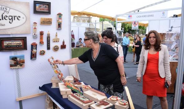 La mejor artesanía de la región está presente en los Jardines del Palacio Carrasco
