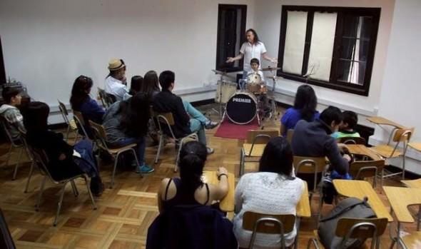 Municipio de Viña del Mar invita a inscribirse en talleres de Casa de las Artes