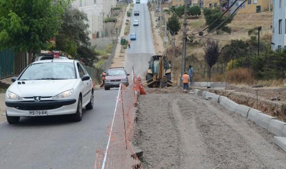 Municipio de Viña del Mar inició trabajos de recarpeteo en calle Los Pensamientos de Reñaca Alto