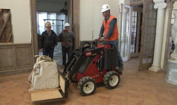 Municipio de Viña del Mar trasladó esculturas del Palacio Vergara al Congreso hasta finalizar reconstrucción del edificio