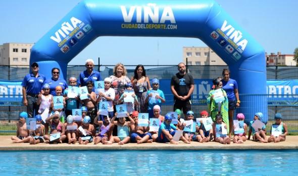 Más de 800 menores participaron en primer ciclo de cursos de natación  que imparte el Municipio de Viña del Mar