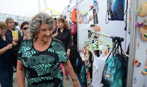 Emprendedoras locales ofrecen atractiva variedad de productos, apoyados por la Municipalidad de  Viña del Mar