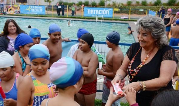 """Vecinos de Nueva Aurora disfrutan programa municipal """"Verano Entretenido en Familia 2016"""""""