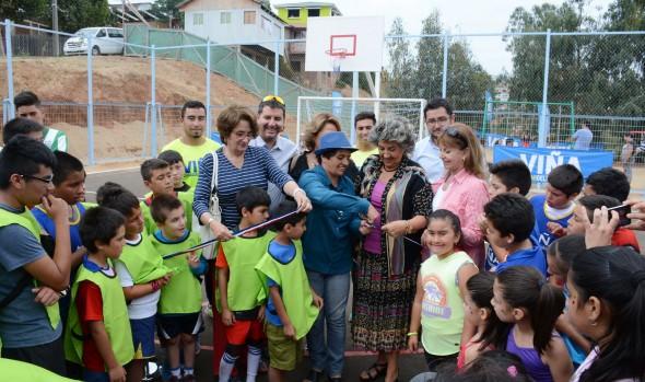 Remodelada multicancha René Schneider de Chorrillos fue entregada por alcaldesa Virginia Reginato