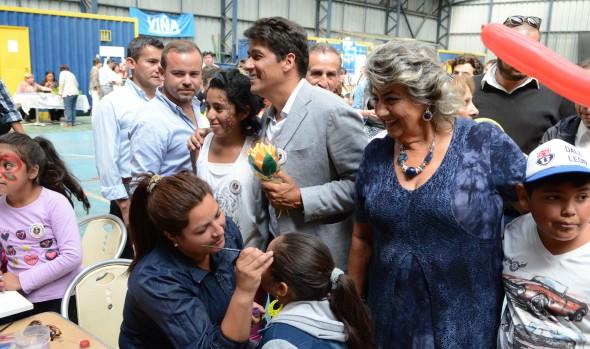 Rafael Araneda compartió actividad social con vecinos de Miraflores